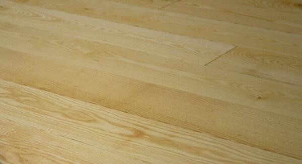 Esche Eleganz Massivholzdiele 20 mm x 130 mm