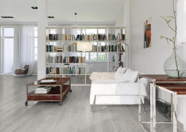 Grey Washed Oak Wood Resist Plus Vinylboden · Wicanders