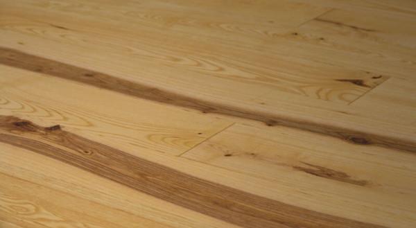 Esche natur astig rustikal Massivholzdiele